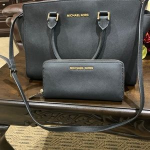 Micheal Kors bag including wallet